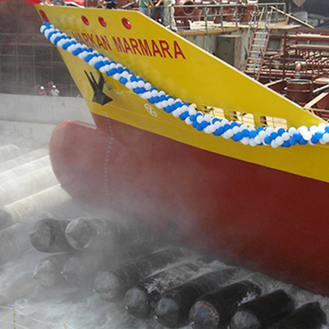Marine pneumatic rubber airbag balloon for salvage