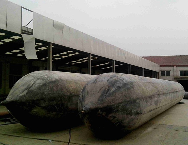 D1.5*L14m floating pontoon rubber airbag for Indonesia market